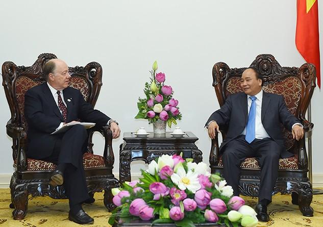 Thủ tướng Nguyễn Xuân Phúc tiếp Chủ tịch Hội đồng quản trị Hội đồng Kinh doanh Hoa Kỳ - ASEAN. Ảnh: Thủy Dung