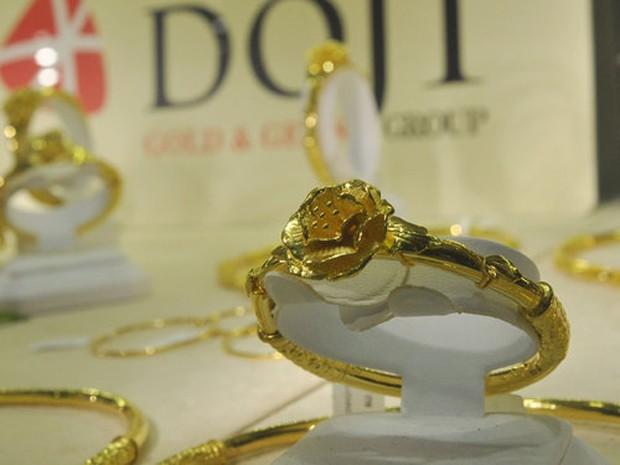 Giá vàng SJC hiện khoảng 33,4 triệu đồng mỗi lượng.