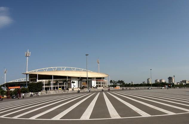 Sân vận động Mỹ Đình do nhà thầu Trung Quốc thi công xuống cấp rất nhanh sau một thời gian đưa vào sử dụng. Ảnh: Lê Tiên