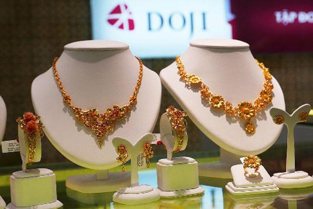Mỗi lượng vàng SJC hiện còn 33,3 triệu đồng. Ảnh:Q.Đ.
