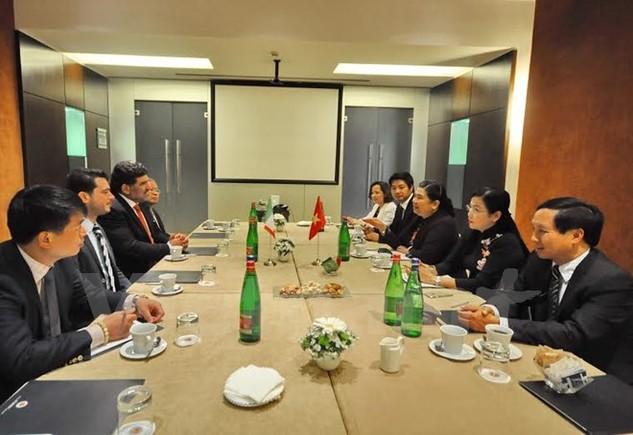 Ủy viên Bộ Chính trị, Phó Chủ tịch Quốc hội Tòng Thị Phóng làm việc với đại diện Đảng Cộng sản Italy. (Ảnh: Quang Thanh/Vietnam+)