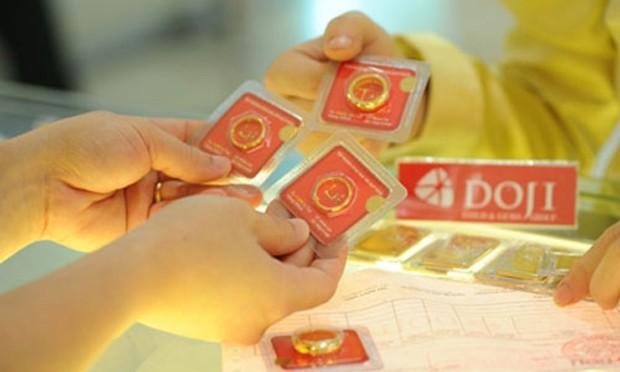 Giá vàng thế giới vẫn thấp hơn hàng trăm nghìn đồng so với vàng trong nước.