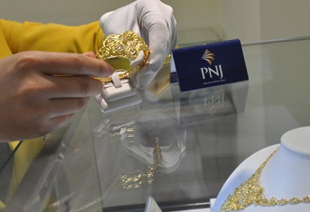 Giá vàng tăng vài chục nghìn đồng mỗi lượng trong sáng nay. Ảnh: Lệ Chi.