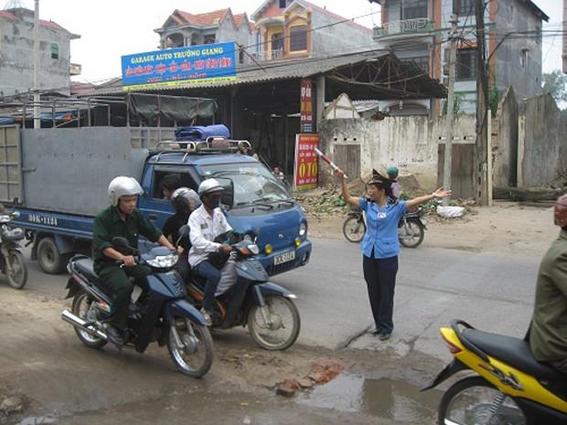 Thanh tra giao thông đóng góp vào hoạt động đảm bảo giao thông thông suốt và an toàn. Ảnh: T.A