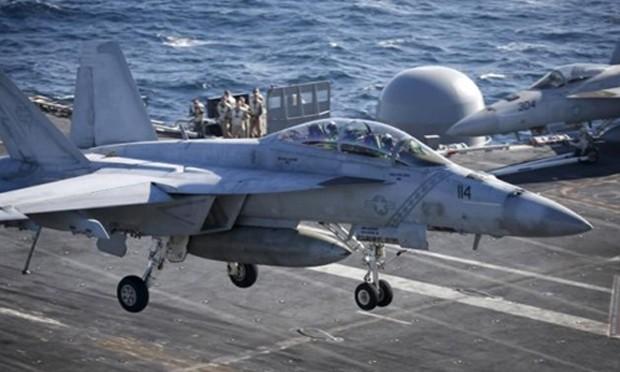 Chiến đấu cơ F/A-18 Super Hornet cất cánh từ tàu sân bay Ronald Reagan, Mỹ. Ảnh: Reuters