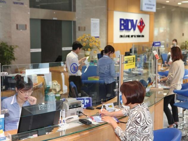 Từ nay đến cuối năm, BIDV cố gắng giảm 500-600 tỷ đồng chi phí, tăng thu dịch vụ ròng... để có nguồn giảm lãi suất