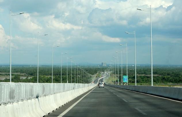 Nhà đầu tư phải đặc biệt quan tâm đến phương án tài chính khi tham gia vào những dự án đường cao tốc. Ảnh: Lê Tiên