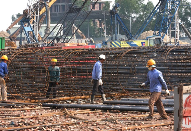 Các tiêu chí đánh giá nhà thầu xây lắp của Bộ Giao thông vận tải dựa trên thực tế trên công trường. Ảnh: Nhã Chi