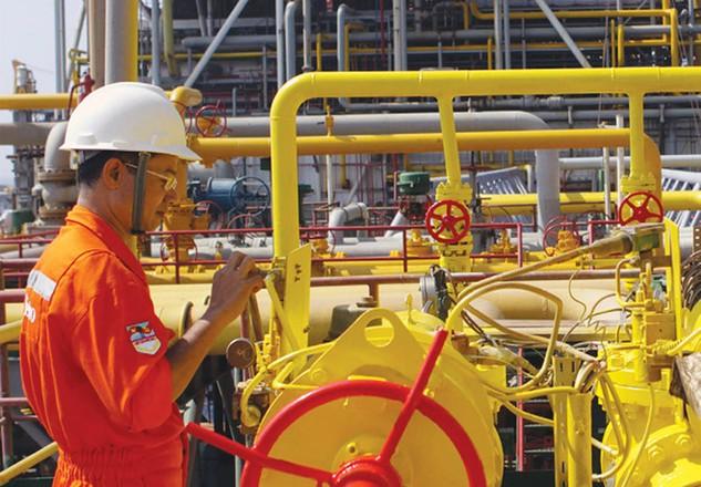 Giá dầu mất mốc 50 USD/thùng, doanh nghiệp dầu khí lo vỡ kế hoạch