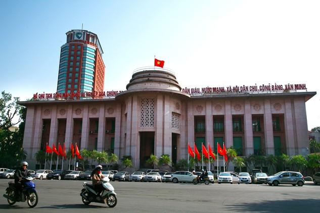 Ngân hàng Nhà nước vẫn kiên định với mục tiêu chống đô la hóa nền kinh tế. Ảnh: Lê Tiên
