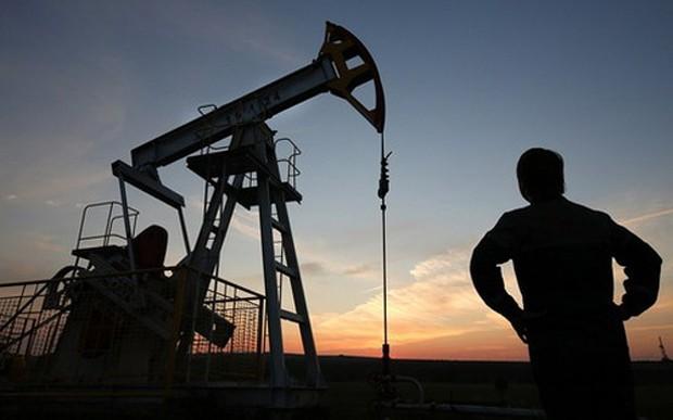Nhiều chuyên gia phân tích cảnh báo trong ngày thứ Năm tuần tới nếu cử tri Anh vẫn cương quyết với quyết định bỏ phiếu rời khỏi EU, giá dầu sẽ giảm trở lại - Ảnh: Bloomberg.