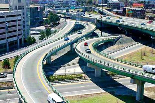 Các tuyến đường trên cao được kỳ vọng sẽ giải quyết tình trạng giao thông quá tải hiện nay của TP HCM. Ảnh minh họa