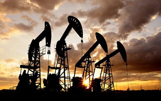 Dù dự trữ dầu tại Mỹ giảm nhưng số liệu cùng lúc đó cho thấy các doanh nghiệp Mỹ liên tục đưa vào hoạt động thêm nhiều giàn khoan dầu mới, như vậy sản lượng thời gian tới sẽ tăng - Ảnh: Blinđrop