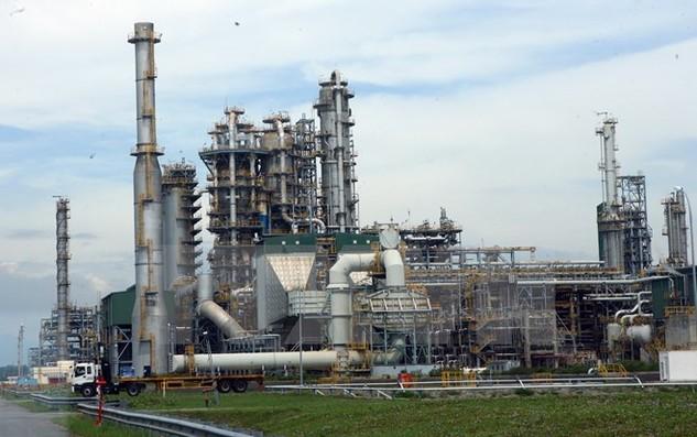 Một phân xưởng chính của Nhà máy lọc dầu Dung Quất. Ảnh minh họa. (Ảnh: Huy Hùng/TTXVN)