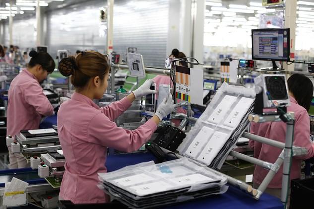 Doanh nghiệp sản xuất sản phẩm công nghệ cao vẫn chưa được quan tâm hỗ trợ đúng mức. Ảnh: Đức Thanh