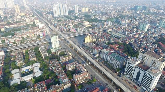 Nút giao 4 tầng hiện đại nhất Thủ đô nằm tại điểm giao cắt giữa đường vành đai 3 (gồm tuyến trên cao và mặt đất) với tuyến đường Nguyễn Trãi huyết mạch nối từ phía tây nam vào trung tâm Hà Nội.