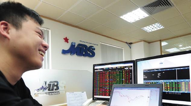 Chứng khoán MB: Doanh thu 5 tháng tăng 76,9%