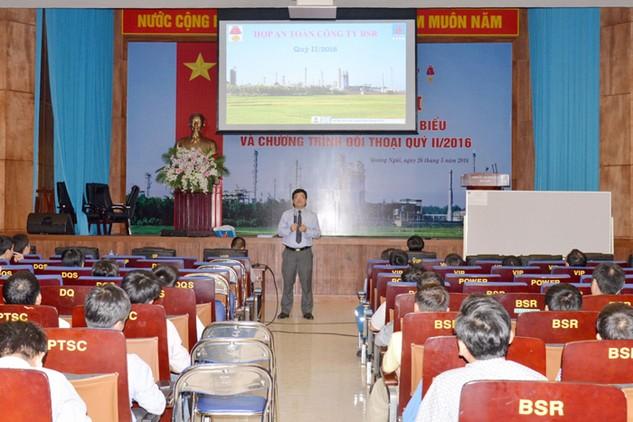Ông Trần Ngọc Nguyên, Tổng giám đốc Công ty Lọc hóa dầu Bình Sơn phát biểu cảm ơn người lao động