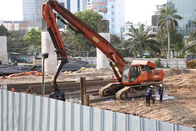 Theo Ngân hàng Thế giới, thời gian cấp Giấy phép xây dựng thực tế ở Việt Nam là 82 ngày. Ảnh: Lê Tiên