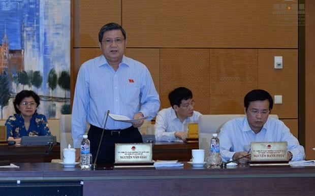 Chủ nhiệm Ủy ban Kinh tế Nguyễn Văn Giàu nêu những diễn biến mới, những khó khăn, thách thức của nền kinh tế.