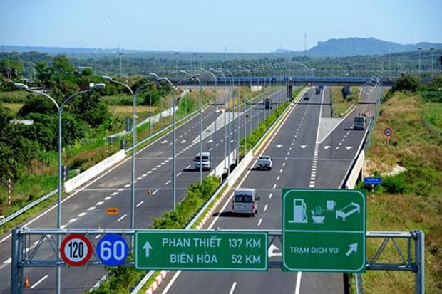 Tính từ ngày 1/1/2016 đến nay, xe tải loại 4 và loại 5 chiếm trên 8% và 5,5% tổng lưu lượng phương tiện qua Trạm thu phí Dầu Giây, đường cao tốc TP. Hồ Chí Minh – Long Thành – Dầu Giây (đoạn từ Quốc lộ 51 đến Dầu Giây).