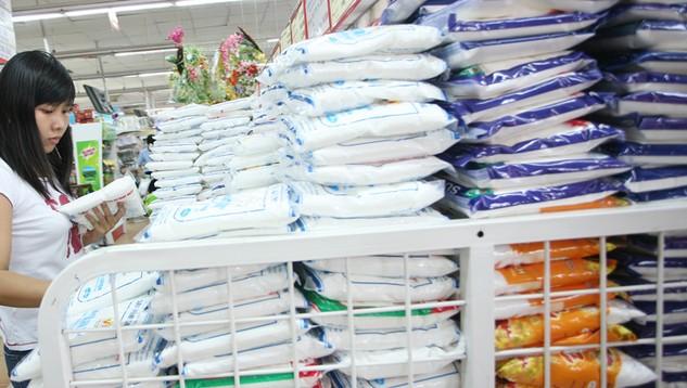 Lượng đường đấu giá (Mã HS 1701) nhập khẩu theo hạn ngạch thuế quan năm 2016 là 85.000 tấn đường. Ảnh: Hoài Nam