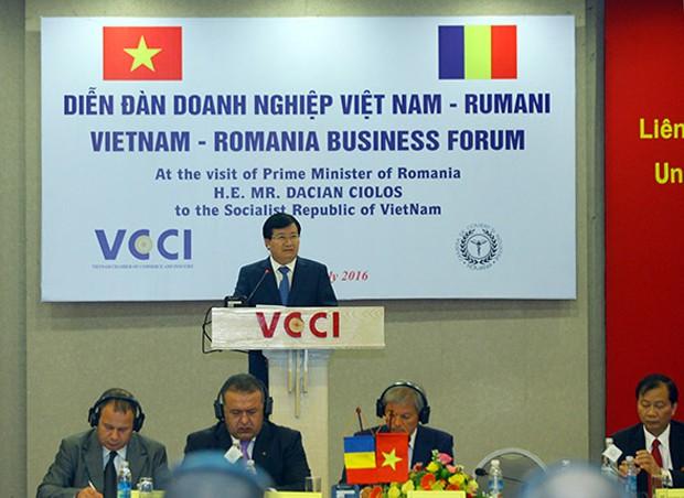 Phó Thủ tướng Trịnh Đình Dũng phát biểu tại Diễn đàn. Nguồn: Diễn đàn Doanh nghiệp