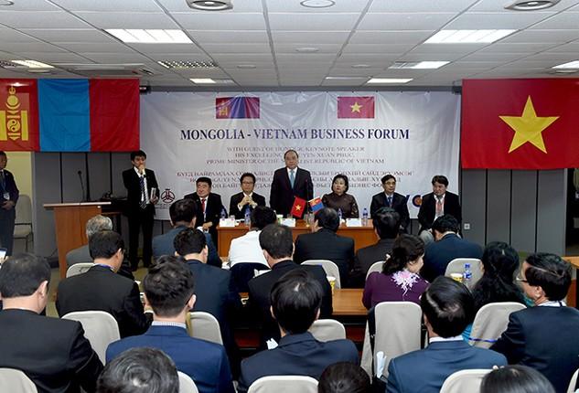 Thủ tướng Nguyễn Xuân Phúc phát biểu tại Diễn đàn Doanh nghiệp Việt Nam – Mông Cổ.