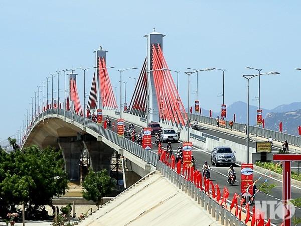 Cầu dây văng An Đông, tỉnh Ninh Thuận là một trong nhiều dự án do RCC thi công đã được khánh thành cuối tháng 8/2015. (Ảnh: Báo Giao thông)