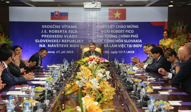 Thủ tướng Cộng hòa Slovakia thăm và làm việc tại BIDV