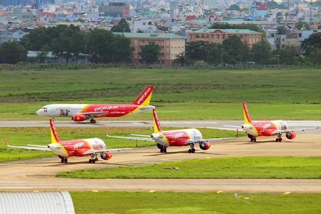 Đóng cửa 1 đường băng tại sân bay Tân Sơn Nhất, một số chuyến bay bị ảnh hưởng