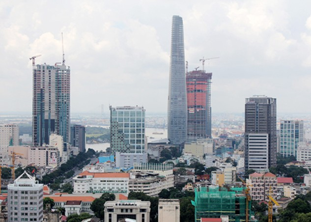 Bất động sản Việt Nam bị cho là có thứ hạng minh bạch thấp, gây khó khăn cho quá trình định giá cũng như truyền tải các xu hướng thị trường một cách chính xác và kịp thời. Ảnh: Vũ Lê