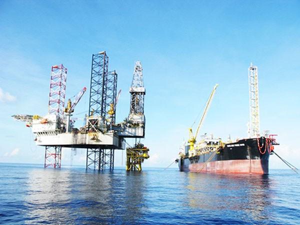 Doanh nghiệp Dầu khí: Khai thác tăng, lợi nhuận giảm