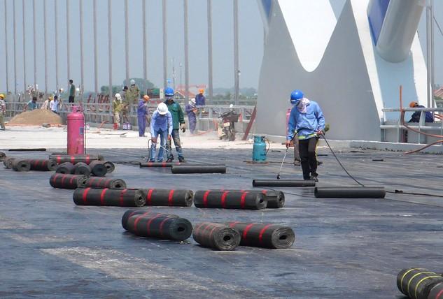 Hầu hết các gói thầu tại Dự án Đường 5 kéo dài đã chậm tiến độ kéo dài, không đạt mục tiêu đề ra ban đầu. Ảnh: Việt Lâm