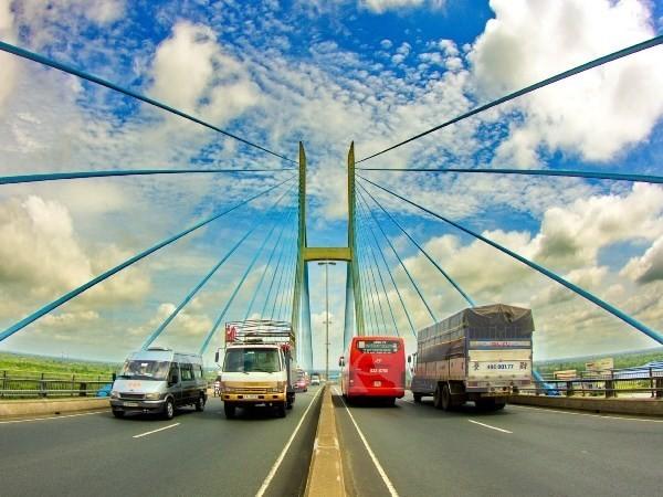 Cầu Mỹ Thuận nằm trên quốc lộ 1A, bắc qua sông Tiền, nối liền hai tỉnh Tiền Giang và Vĩnh Long. (Ảnh: Duy Khương/TTXVN)