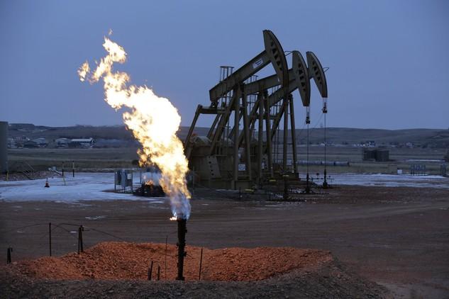 Hiện tại không có nhiều yếu tố hỗ trợ cho giá dầu tăng - Ảnh: Forbes.