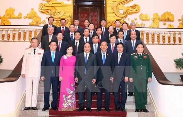 Thủ tướng Nguyễn Xuân Phúc với các Thành viên Chính phủ nhiệm kỳ 2016-2021. (Ảnh: Thống Nhất/TTXVN)