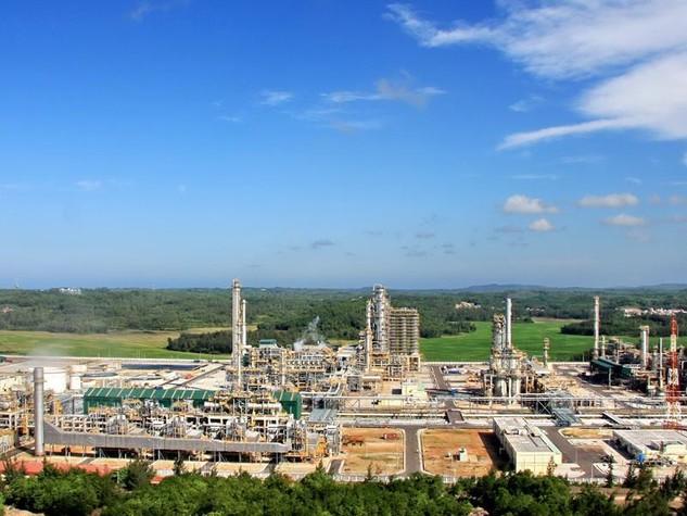 Nhà máy lọc dầu Dung Quất liên tục lãi lớn dù luôn kêu khó khăn.