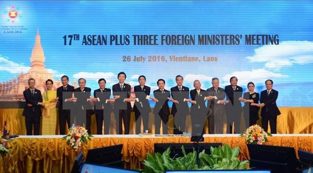 Các đại biểu tham dự Hội nghị Bộ trưởng Ngoại giao ASEAN+3 lần thứ 17 tại Vientiane hồi tháng 7/2016. (Nguồn: THX/TTXVN)