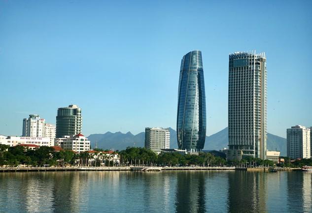 Trung tâm hành chính 2.000 tỷ đồng của Đà Nẵng bị chê vì thiếu không khí. Ảnh: Lê Tiên
