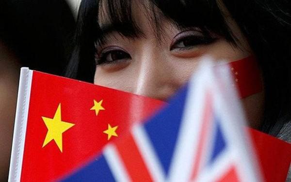Các công ty Trung Quốc đang đổ tiền làm M&A khắp thế giới. Ảnh: Telegraph