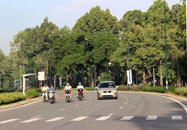 Đoạn đường băng qua công viên Gia Định vừa được thông xe sáng nay. Ảnh: Q.A