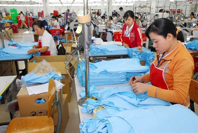 Bất cập lớn của ngành may mặc nước ta là quá lệ thuộc vào nguồn vải nhập khẩu