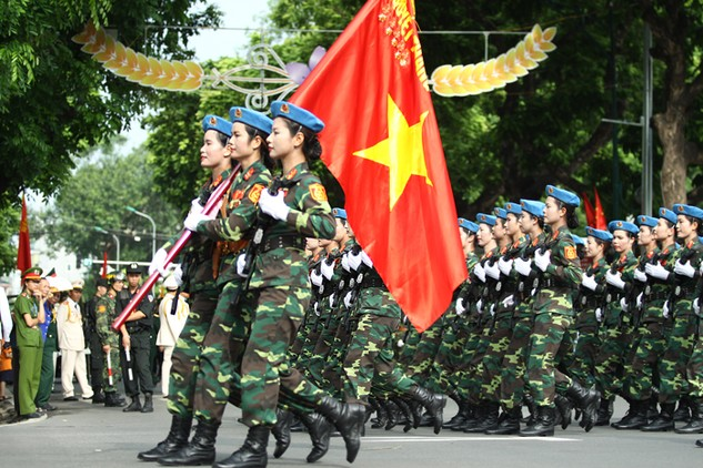 Trong lịch sử dựng nước và giữ nước, người Việt Nam đã vượt qua muôn vàn thử thách bằng chính đôi chân của mình