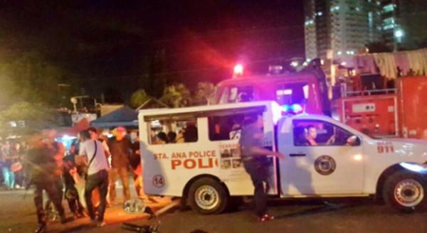 Xe cảnh sát tại hiện trường vụ nổ chợ đêm. Ảnh: Twitter