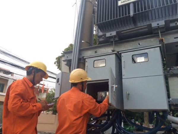 Nguồn điện trong nước sản xuất và dự phòng đủ nên EVN tạm dừng mua điện Trung Quốc trong tháng 8/2016. Ảnh: Hoài Thu