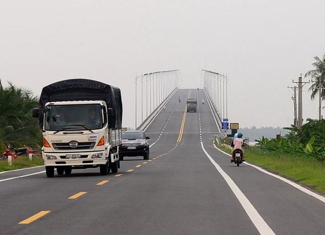 Cầu Cổ Chiên nối Bến Tre với Trà Vinh - Ảnh: T.T.D.