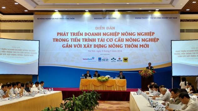 Nhiều chuyên gia đã đưa ra khuyến nghị gỡ vướng chính sách nhằm thu hút đầu tư vào lĩnh vực nông nghiệp, nông thôn. Ảnh: Bích Khánh