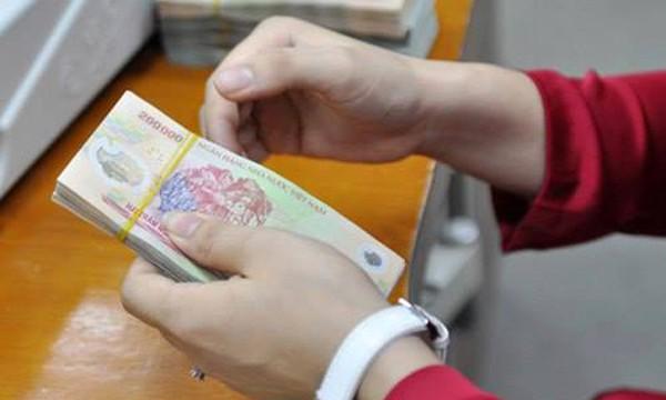 Các vụ mất tiền trong tài khoản ngân hàng khiến dư luận xôn xao thời gian gần đây.