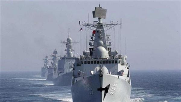 Tàu hải quân Trung Quốc đi qua eo biển Tsushima trên biển Nhật Bản trong một cuộc tập trận chung với Nga. Ảnh: Presstv